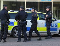 poliser o bil beskuren för BB